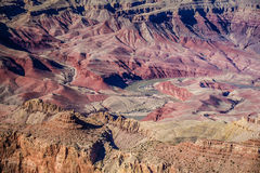 Der Colorado-Ausschnitt durch Grand Canyon Lizenzfreie Stockfotos