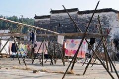 Der corbie Giebel von chinesischen Volkshäusern Lizenzfreie Stockfotos