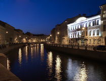 Der Damm des Flusses Moika, St Petersburg, lizenzfreie stockbilder