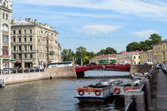 Der Damm des Moika-Flusses in St Petersburg Stockbild