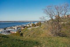 Der Damm des Volga lizenzfreies stockbild