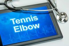 Der Diagnose Tennisarm auf der Anzeige Stockfoto
