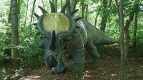Der Dinosaurier-Platz bei Art Village der Natur in Montville, Connecticut Stockfotografie