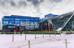 Der Docklandsbereich von Dublin das Theater Bord Gais kennzeichnend Stockfoto