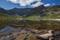 Der Doppelsee, die sieben Rila Seen, Rila-Berg Lizenzfreies Stockfoto
