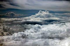Der drastische Himmel mit Wolken lizenzfreies stockfoto