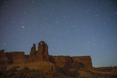 Der drei Klatsch-Bogen-Nationalpark nachts Lizenzfreie Stockfotos