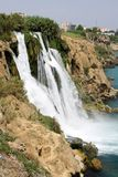 Der Duden-Wasserfall, TÃ-¼ rkai Antalya lizenzfreie stockbilder
