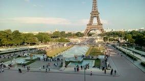 Der Eiffelturm in Paris, Frankreich stockfotos