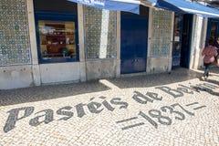 Der Eingang des berühmten Speichers Pasteis Des Belem Lizenzfreie Stockfotografie