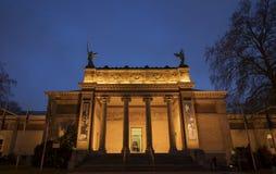 Der Eingang des Museums von schönen Künsten in Gent, Belgien, bei Einbruch der Dunkelheit Stockfoto