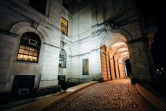 Der Eingang Rhode Island State Houses nachts, in Provid Stockbild
