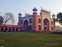 Der Eingang zu Taj Mahal Stockfotos