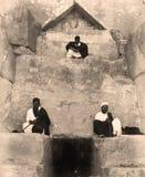 Der Eingang zur großen Pyramide von Giseh 1880 Lizenzfreie Stockbilder