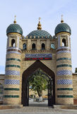 Der Eingang zur Moschee ist vom Ziegelstein Lizenzfreie Stockbilder