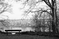 Der einsame Stuhl im Winter Stockfoto