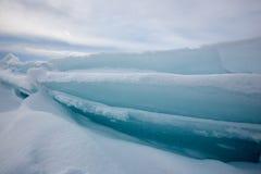 Der Eishügel auf See Balkhash Lizenzfreie Stockfotos