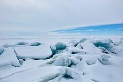 Der Eishügel auf See Balkhash Stockfotografie