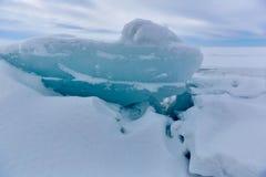 Der Eishügel auf See Balkhash Lizenzfreies Stockfoto