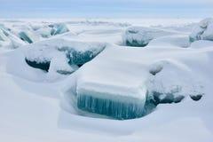 Der Eishügel auf See Balkhash Stockbilder