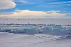 Der Eishügel auf See Balkhash Lizenzfreie Stockbilder
