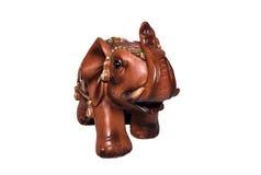 Der Elefant hebt einen Stamm an Stockfoto