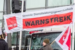 Der EnBW för Verdi Warnstreik —Kundgebung bei Arkivbild