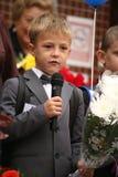 Der erste Ruf 1. September Wissens-Tag in der russischen Schule Tag des Wissens Erster Tag der Schule Stockbilder