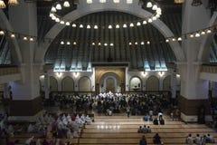 Der erste Tag an tarawih Gebet MAJT Semarang Stockbild