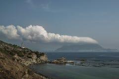 Der Felsen und die Wolke stockfoto