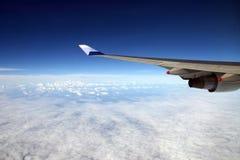 Der Flugzeugflügel Stockfoto