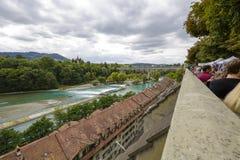 Der Fluss Aare fließt die Stadt von Bern durch Lizenzfreies Stockbild
