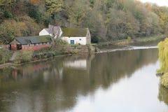 Der Fluss in Durham, Großbritannien lizenzfreies stockbild