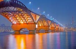 Der Fluss Han mit Seongsan-Brücke an night_4 Lizenzfreies Stockbild