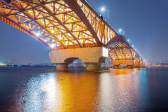 Der Fluss Han mit Seongsan-Brücke an night_5 Stockfoto