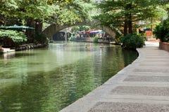 Der Fluss-Weg Stockfotos