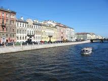 Der Fontanka-Flussdamm, St Petersburg Lizenzfreie Stockfotografie