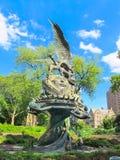 Der Friedensbrunnen in der Kathedrale von Johannes das göttliche, NYC Stockbilder