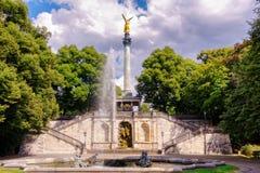 Der Friedensengel in München-Bayern lizenzfreie stockfotografie