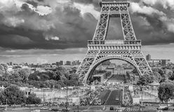 Der Fuß des Eiffelturms Stockbilder