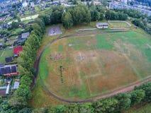 Der Fußballplatz einer kleinen russischen provinziellen Stadt Stockfotos