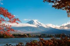Der Fujisan in Autumn Color, Japan Lizenzfreie Stockfotos