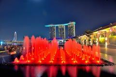 Der Fullerton Schacht-Hotel-Brunnen @ Singapur Marin Stockbild