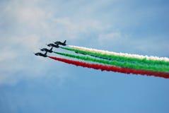Der Fursan Al Emarat, ein aerobatic Team der Luftwaffe Vereinigte Arabische Emirates Stockfotografie