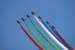 Der Fursan Al Emarat, ein aerobatic Team der Luftwaffe Vereinigte Arabische Emirates Stockfotos
