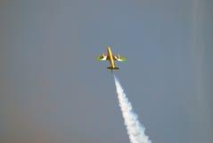 Der Fursan Al Emarat, ein aerobatic Team der Luftwaffe Vereinigte Arabische Emirates Stockbilder