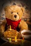 Der Geburtstag des Teddybären stockbilder