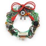 Der Geeky Weihnachtskranz, der durch alten Computer gemacht wird, zerteilt Stockfotografie