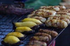 Der gegrillte thailändische Nachtisch der Bananen Stockfoto