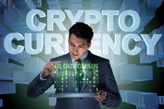Der Geschäftsmann in blockchain cryptocurrency Konzept Stockfoto